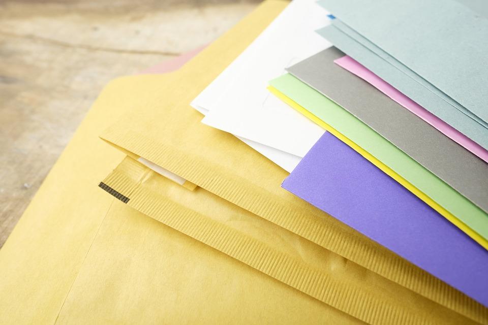 Cómo elegir el sobre adecuado para tus envíos