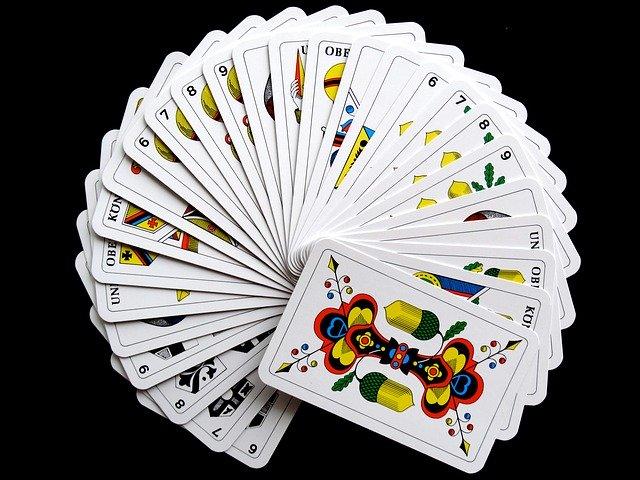 Juegos de cartas tradicionales de España