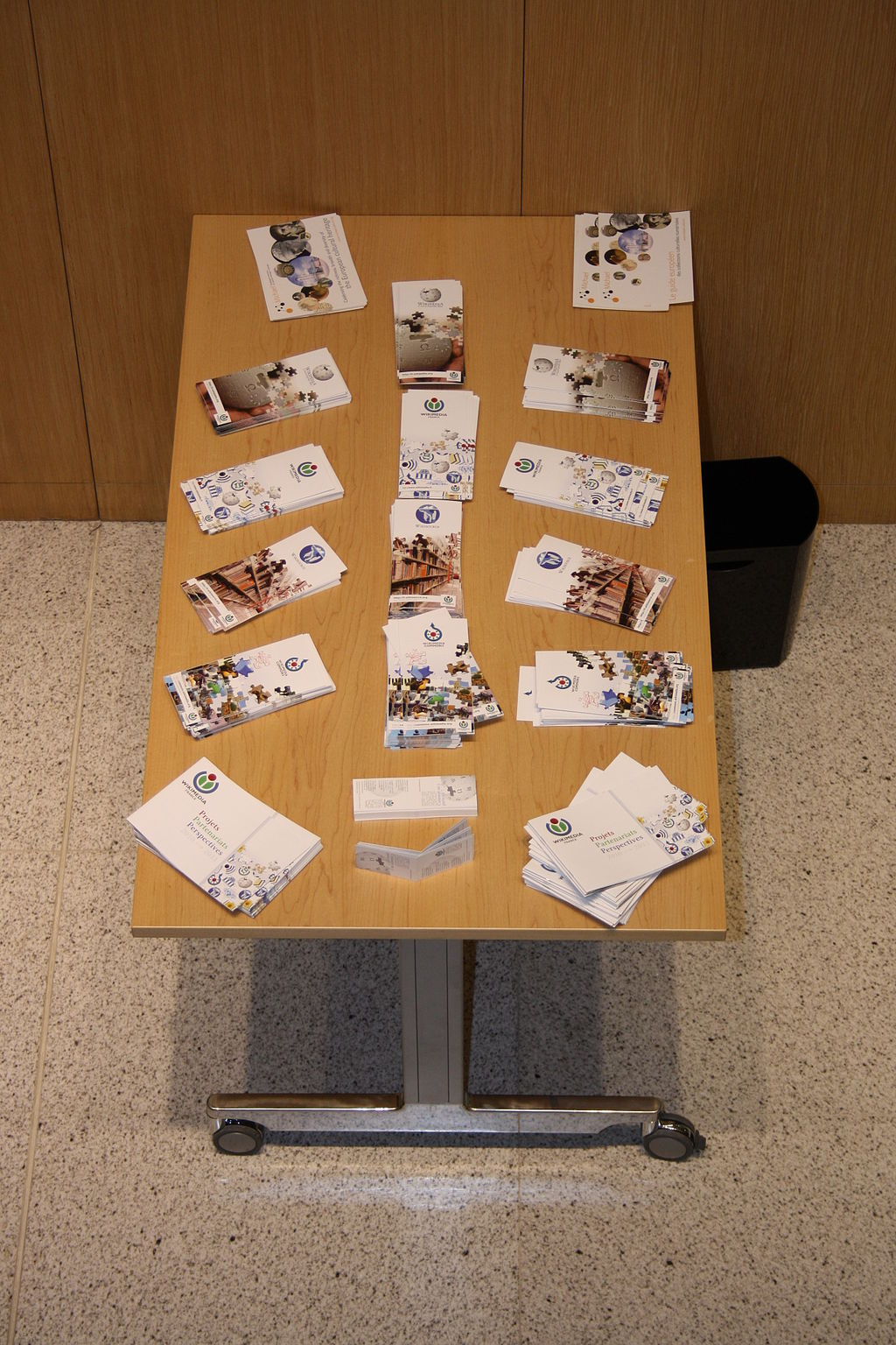 Tipos de folletos y ventajas de imprimir folletos plegados